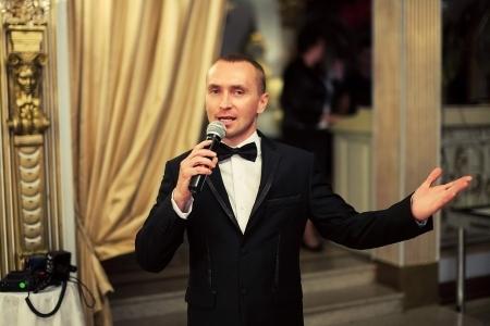 ведущий на праздник в Москве